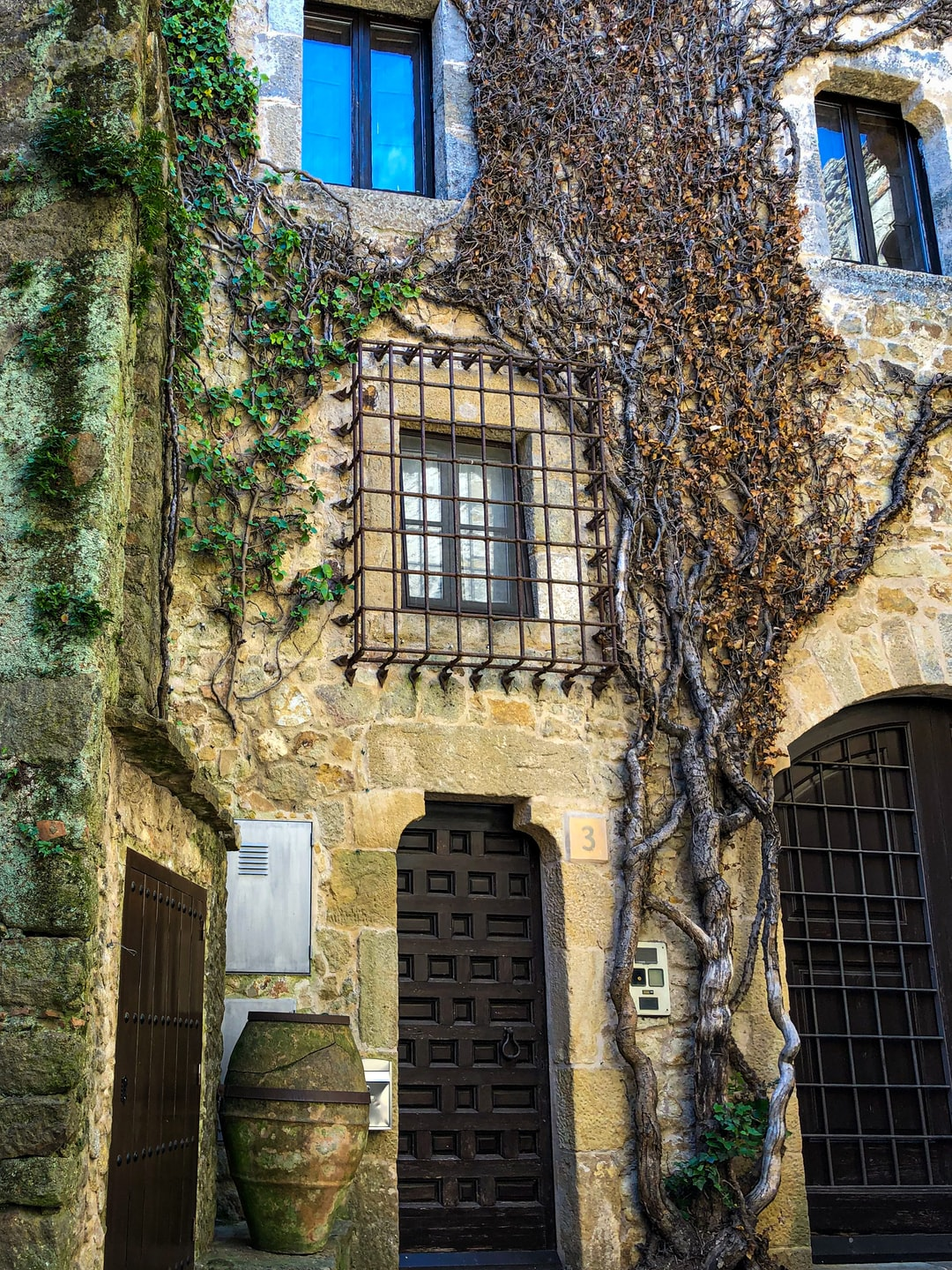 Pals is a medieval town in Catalonia, northern Spain, a few kilometres from the sea in the heart of the Bay of Emporda on the Costa Brava.