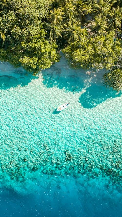 Top islands in Maldives