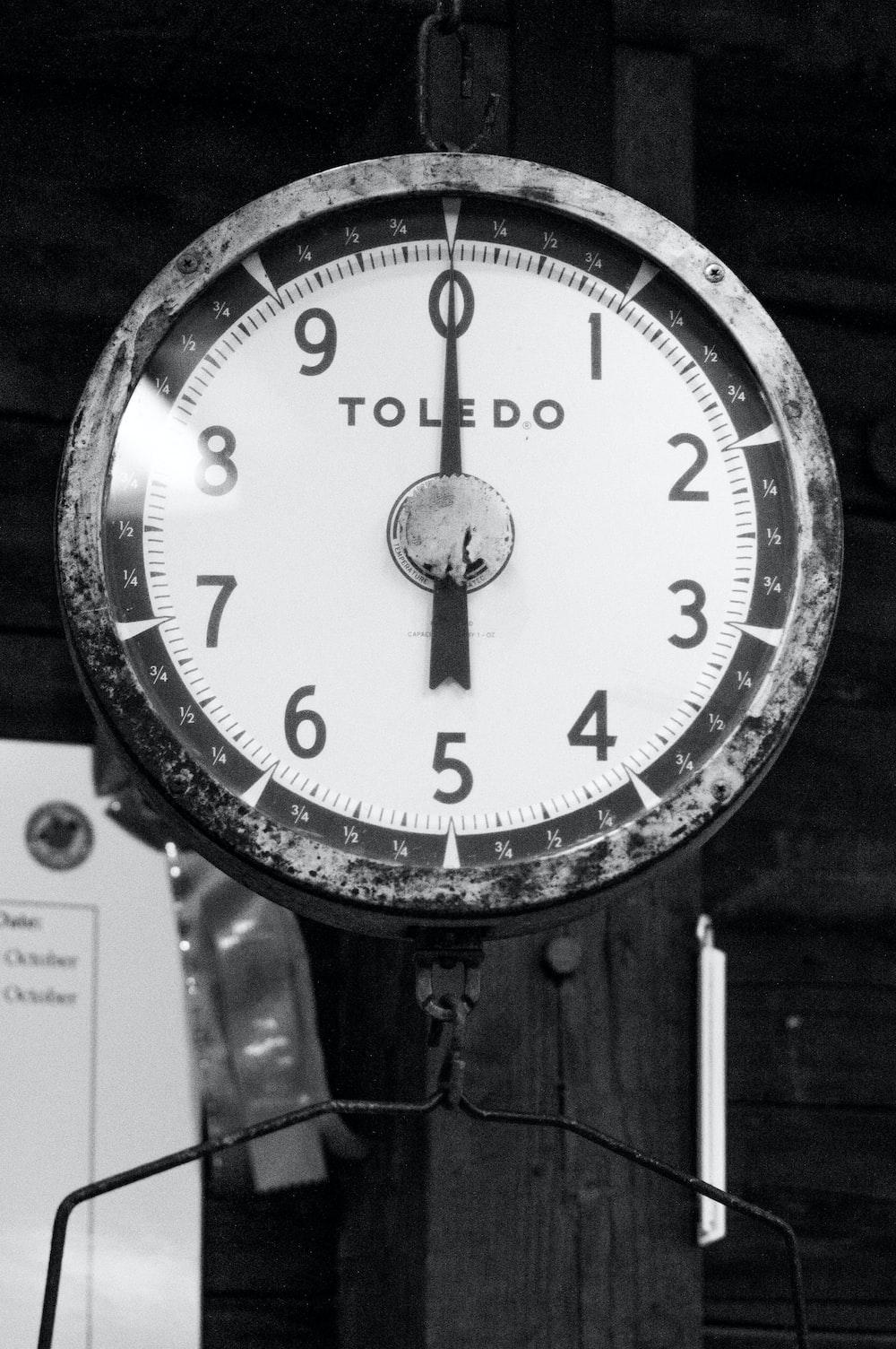 round Toledo analog clock