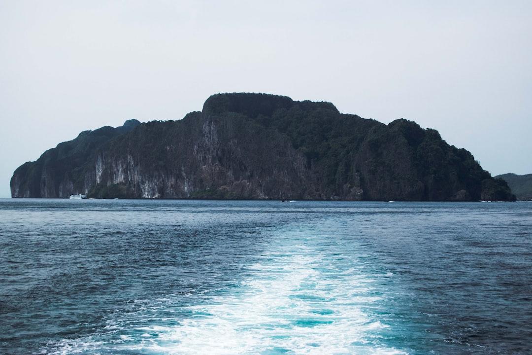 Wake of the Ferry, Phi Phi Island