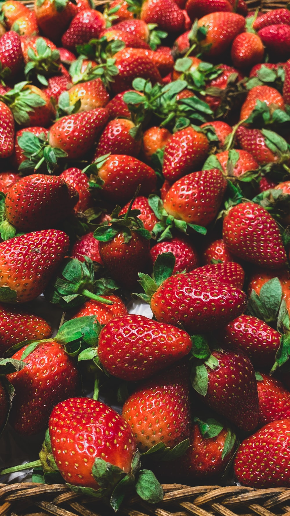 bunch of stawberries