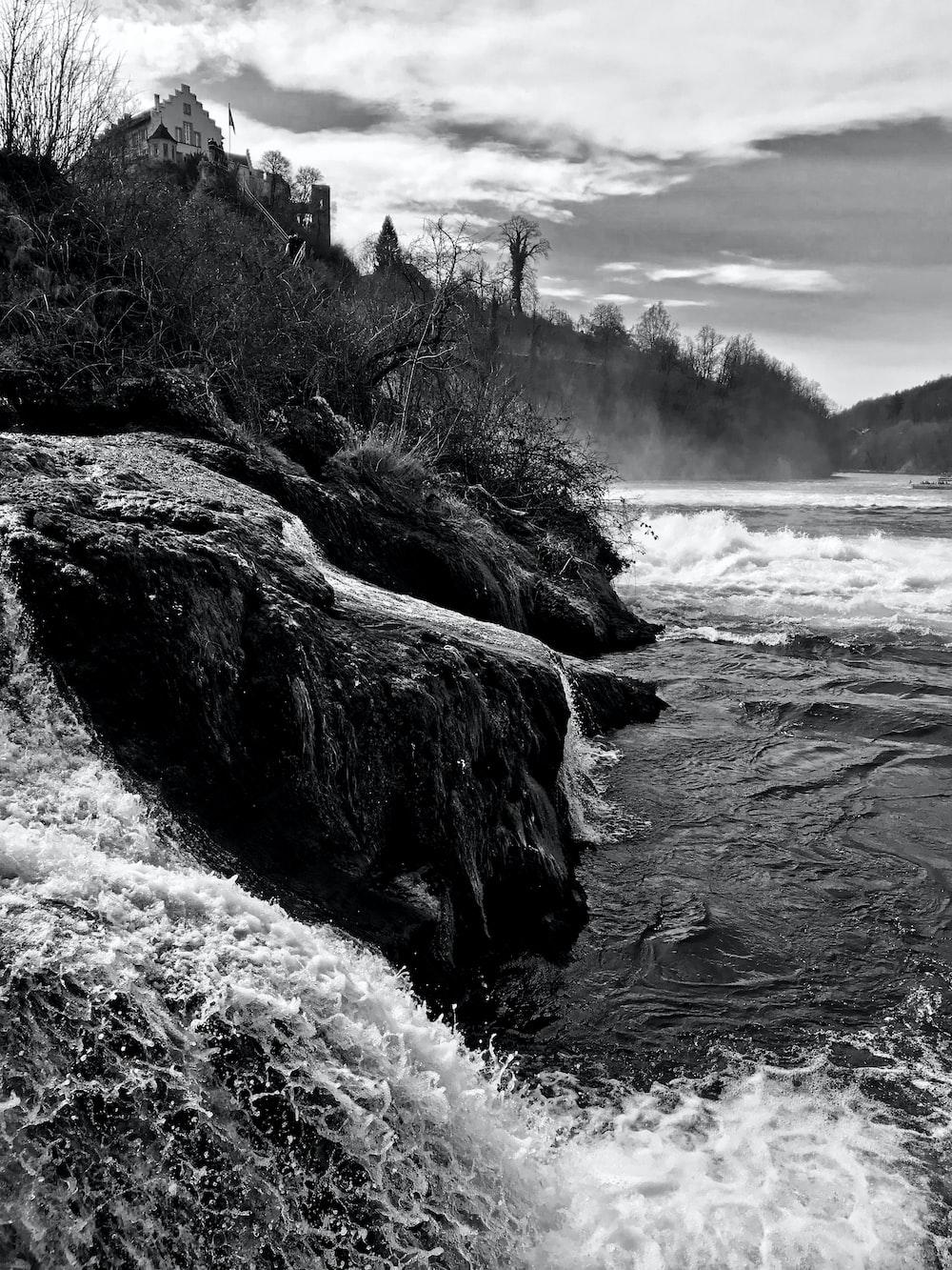 waves crashing