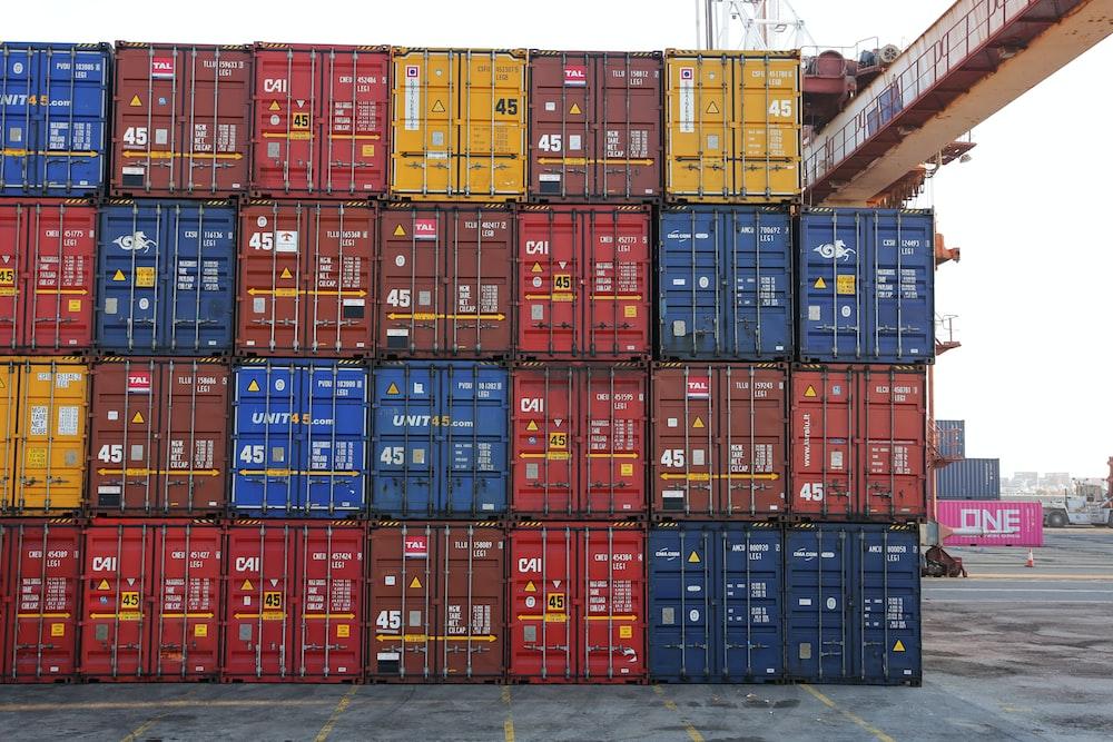 intermodal container lot