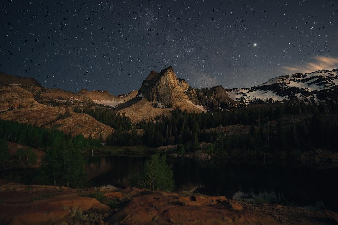 Moonset Reflecting Off Sundial Peak - unsplash