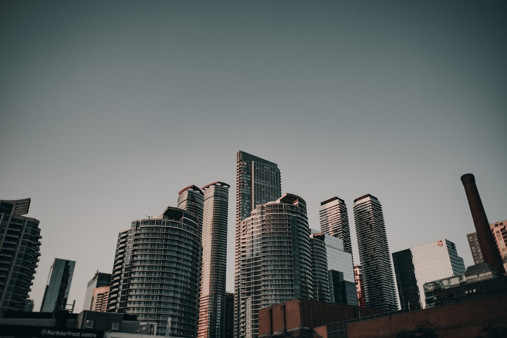 cityscape photography during daytime