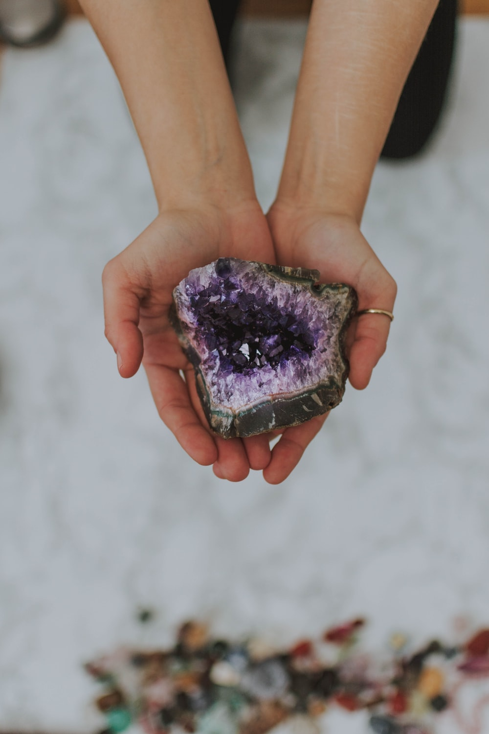 purple and brown geode stone