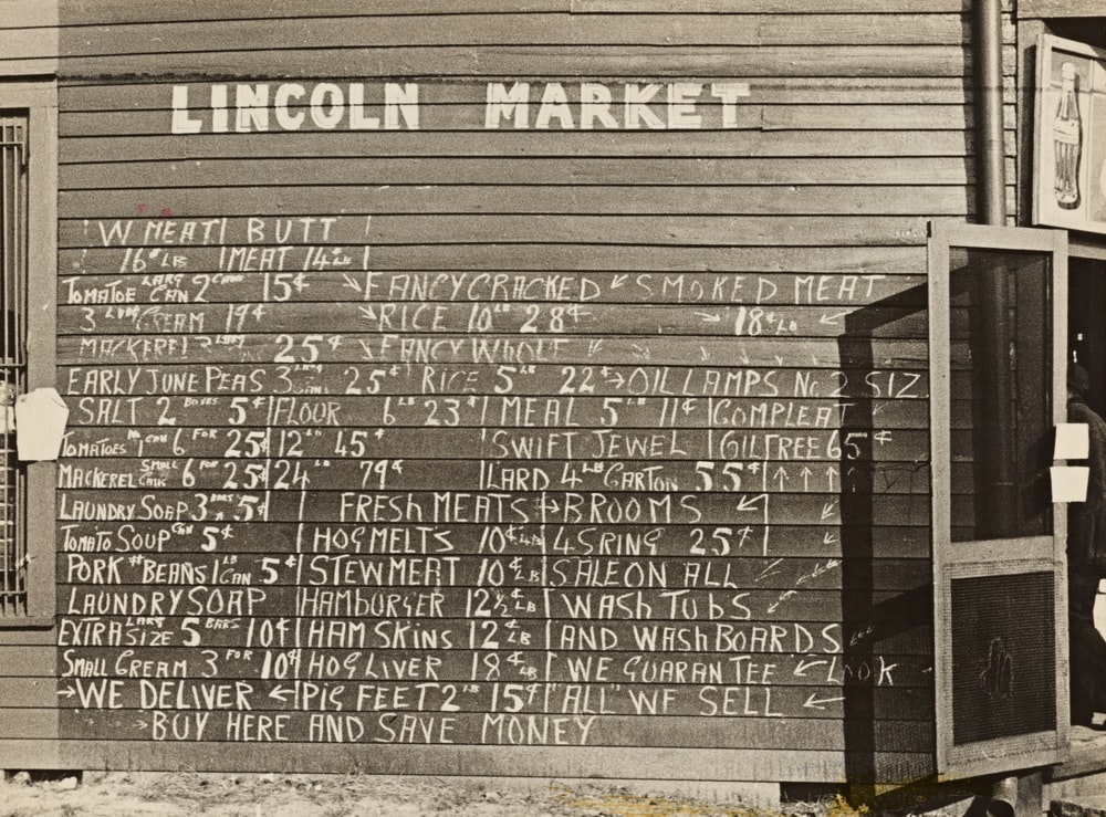 Lincoln market signage