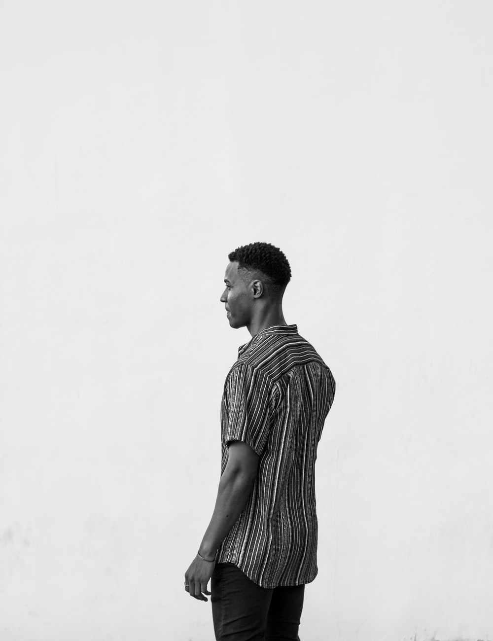 men's white and black striped shirt