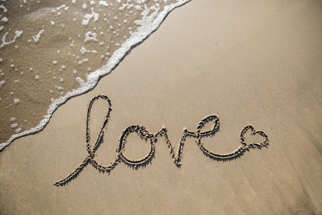 Love In the Sand  - unsplash