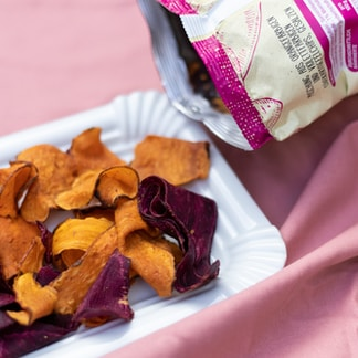 Sweet potato crisps are so much better than the regular ones! In taste, shape AND in color:)