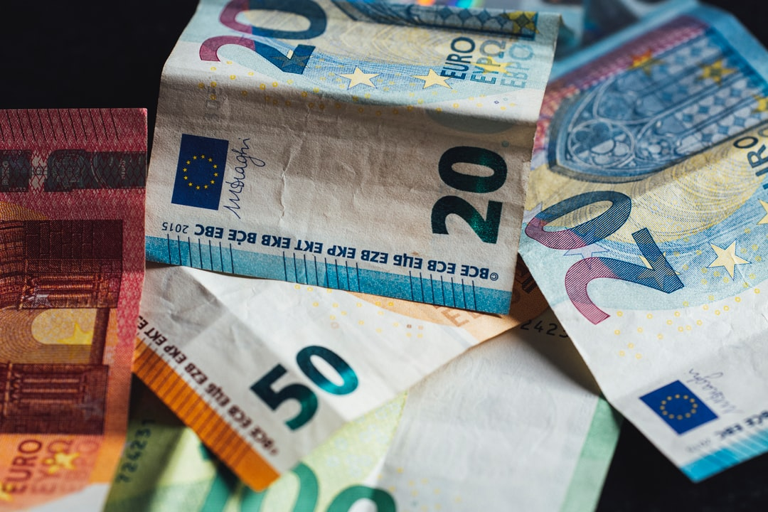 A lot cash of banknote money... € 10,- € 20,- € 50,- € 100,-. Made with Canon 5d Mark III and analog vintage lens, Leica APO Macro Elmarit-R 2.8 100mm (Year: 1993)
