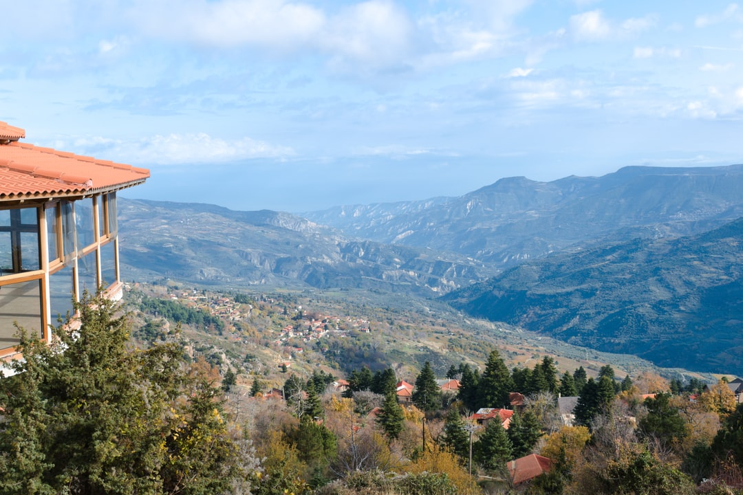 An overview of Ano Trikala, you should definitely visit more can be found here: https://athensglance.com/2019/12/15/ano-trikala/