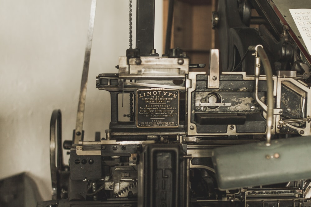 black and gray vintage camera