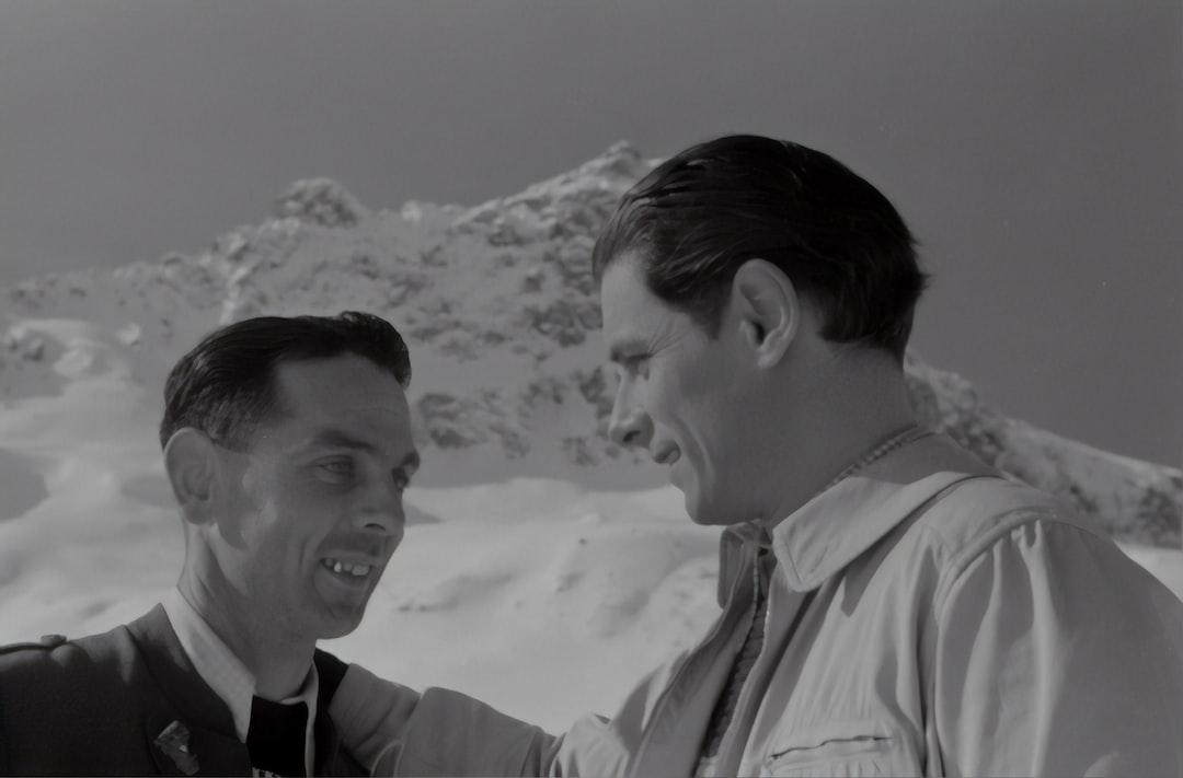 Film by Géza von Cziffra. Rudolf Prack on the right.