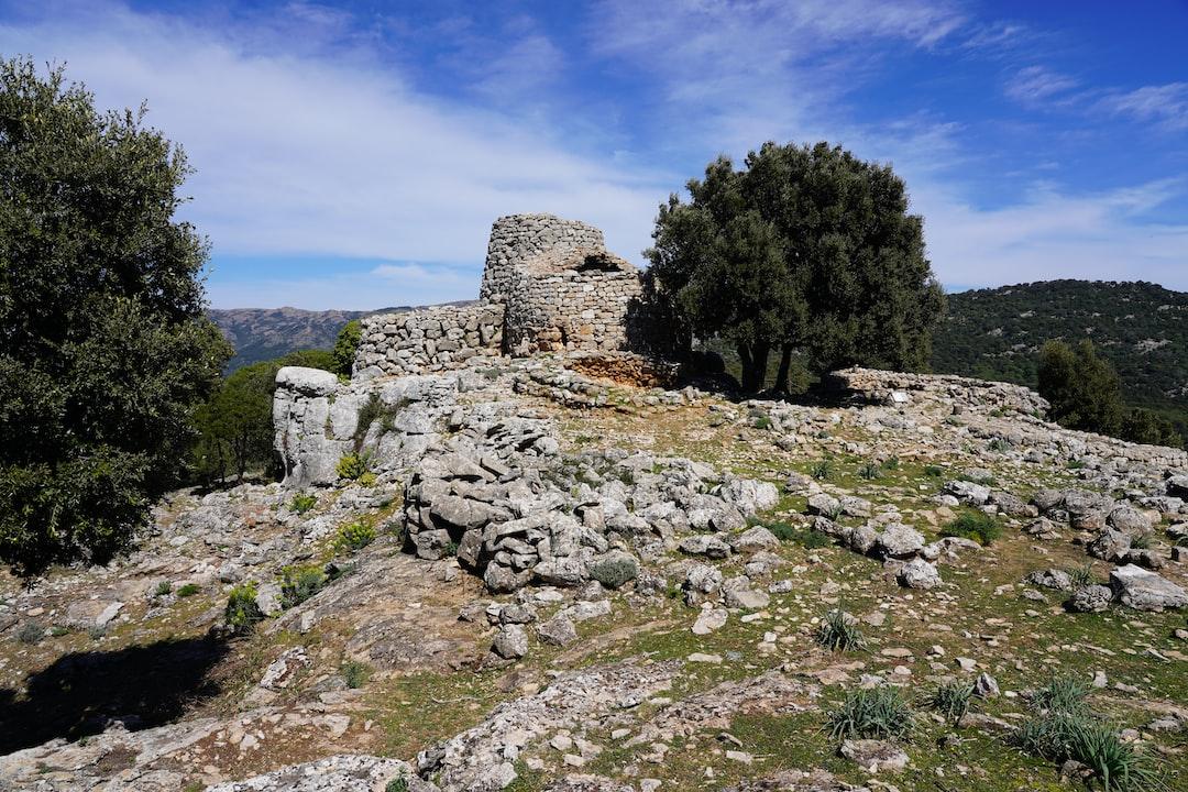 Sardinien Nuraghe Serbisi