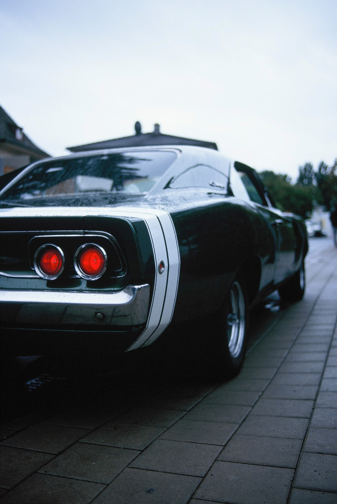 Vintage US muscle car Dodge Charger (Year: 1968, V8, 375 PS). Made with Leica R7 (Year: 1994) and Leica Summicron-R 2.0 35mm (Year: 1978). Analog scan via nimmfilm.de: Fuji Frontier SP-3000. Film reel: Kodak Ektarchrome E100