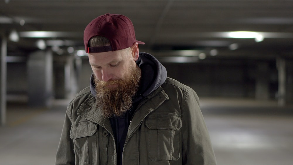 ¿Por qué no crece el pelo en la barba?