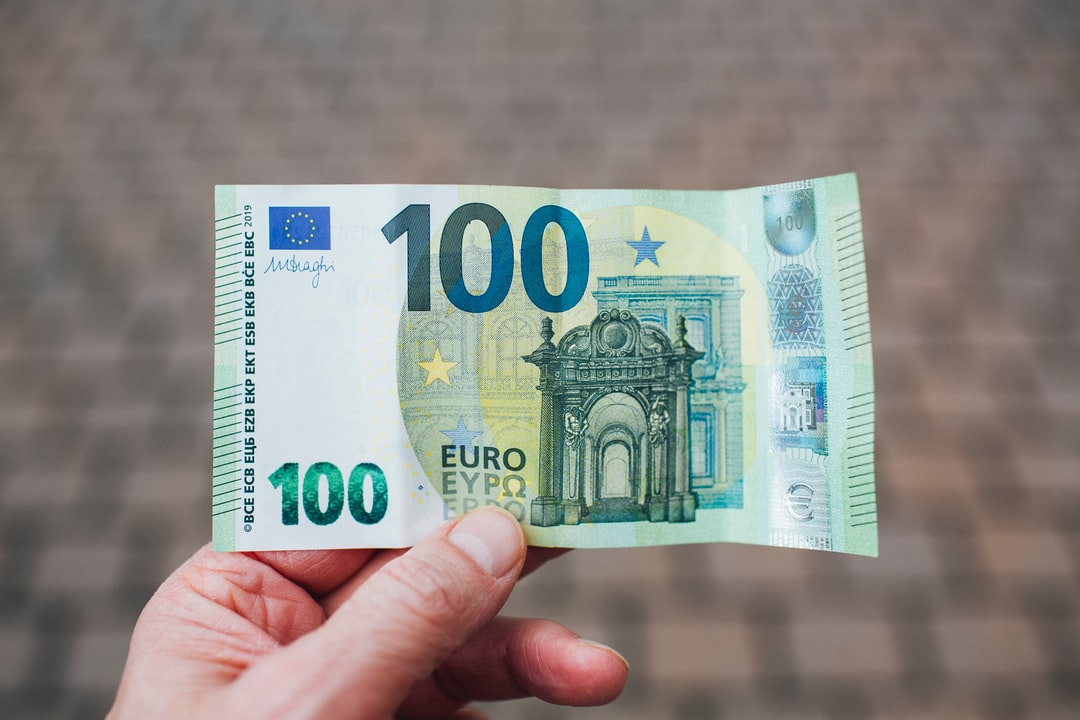 Cash 100 € Euro Eur Banknote Money With Security Features and Watermark - unsplash
