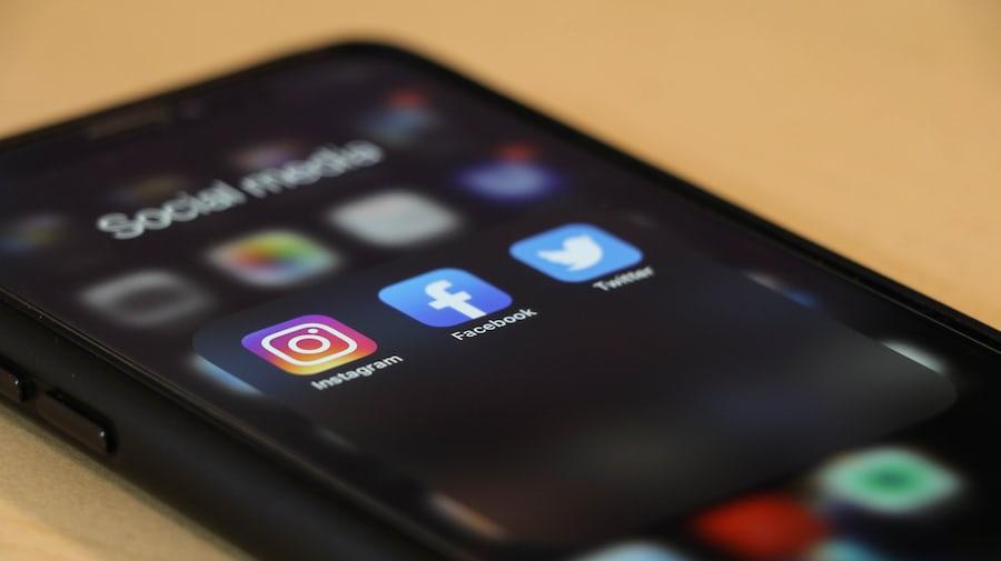social media, instagram, twitter, Facebook