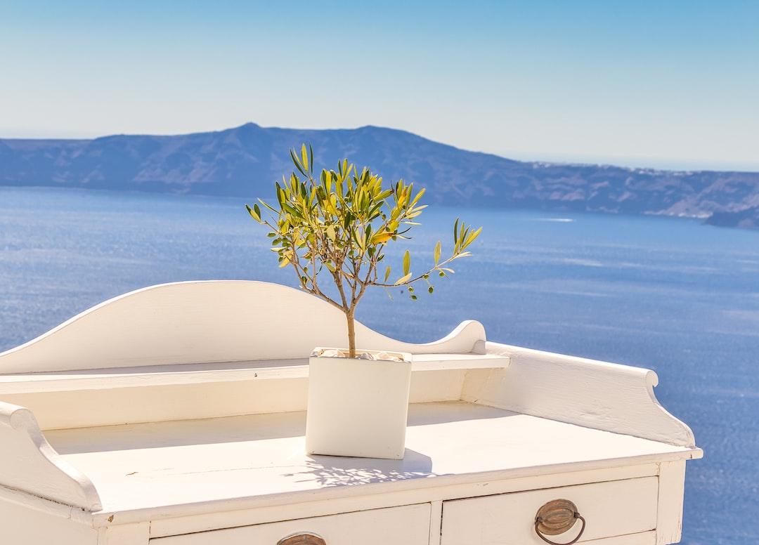 Santorini - unsplash