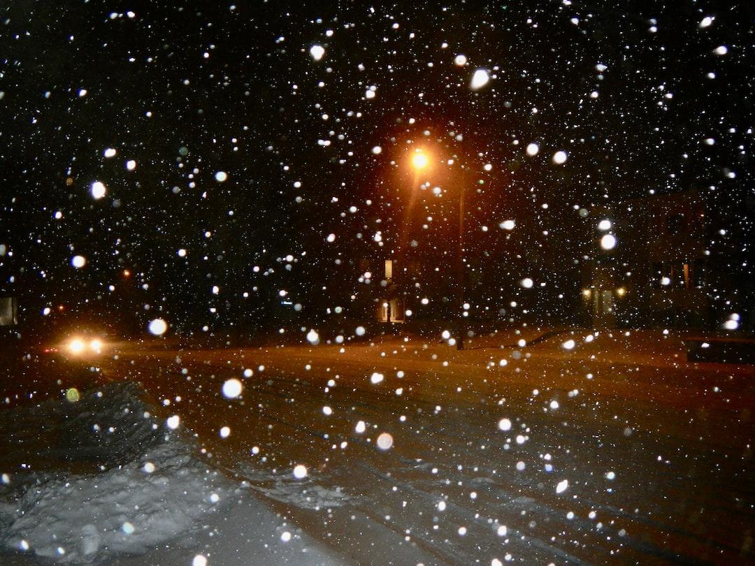 snowing in Canada 🇨🇦