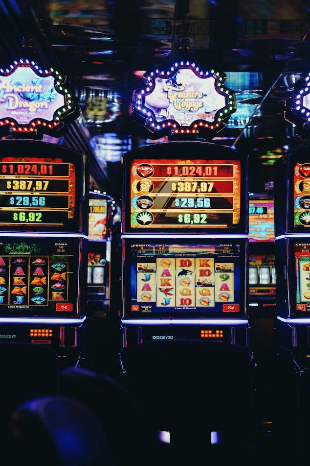 Gokkasten zijn heel populair door grote jackpot bedragen