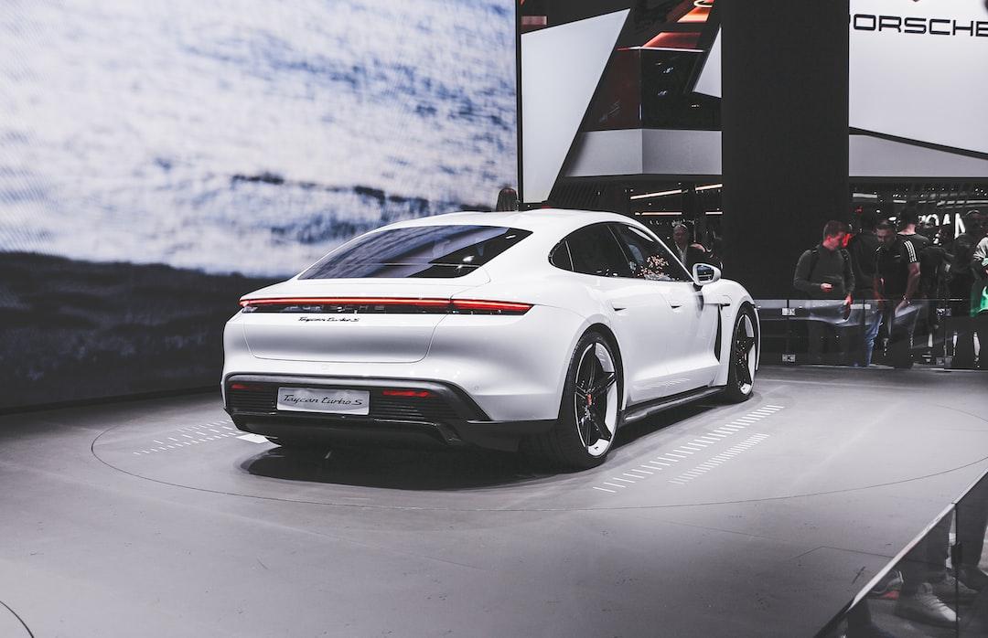 Porsche Taycan Turbo S | Instagram: @tonizaat