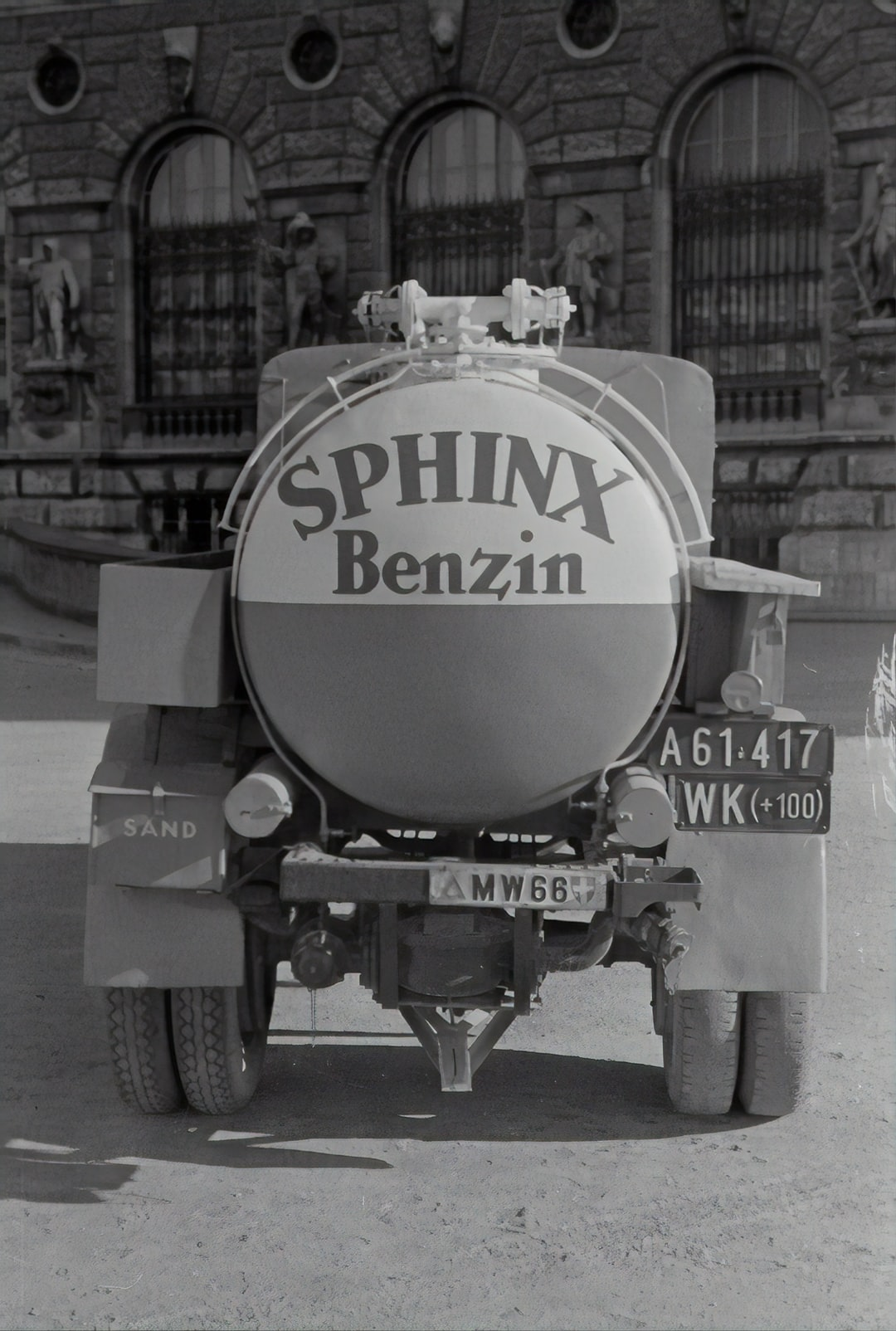 Vacuum Oil, Truck with Sphinx gasoline. 1935