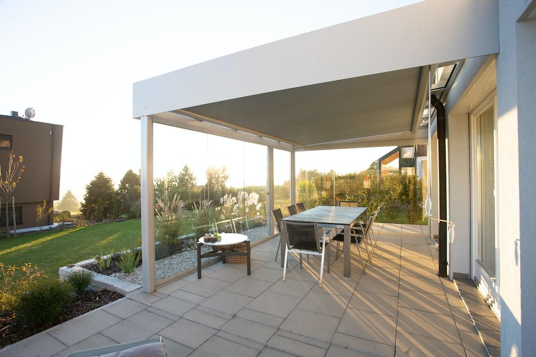 Sommergarten: Terrassenüberdachung mit Verglasung