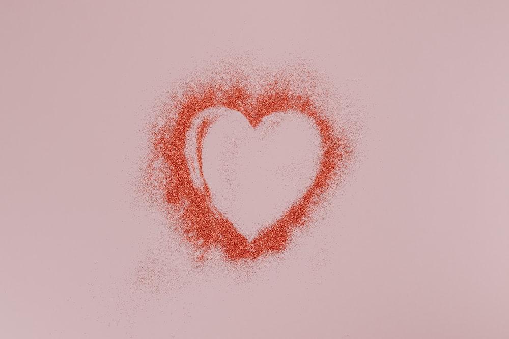 赤と白のハートの形のイラスト