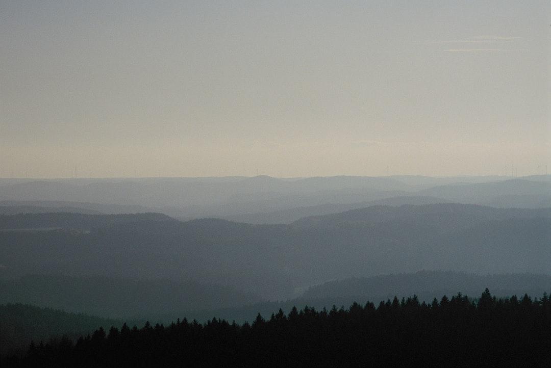 "Viewpoint ""Hohe Zant"" – lonesome wilderness hiking, Franconian Alb Hersbrucker Alb. Made with Leica R7 (Year: 1994) and Leica Elmarit-R 2.8 135mm (Year: 1987). Analog scan via nimmfilm.de: Fuji Frontier SP-3000. Film reel: Kodak Ektarchrome E100"