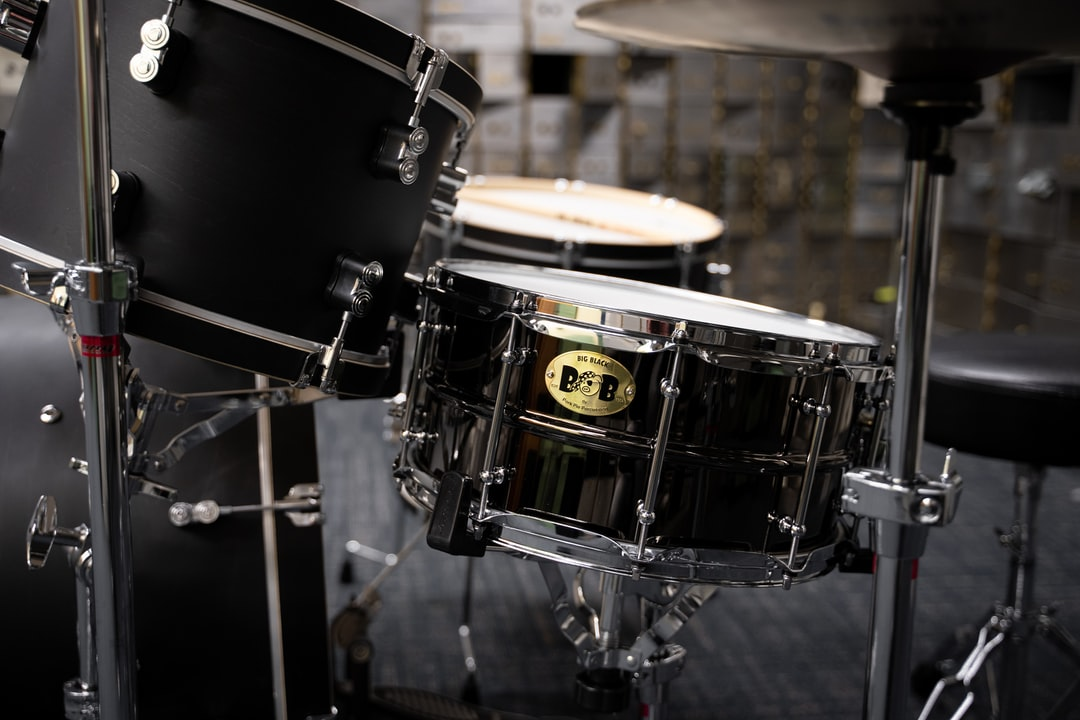 Pork Pie snare drum on PDP Maple Classic drum set
