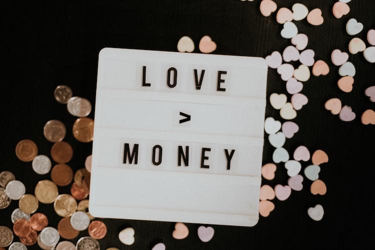 Praten over geld // geldzaken samenwonen // samenwonen tips financieel // geldzaken regelen