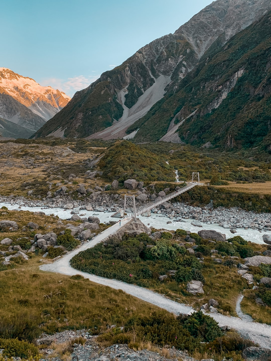 A picture perfect sunrise over the Hooker Valley Track.