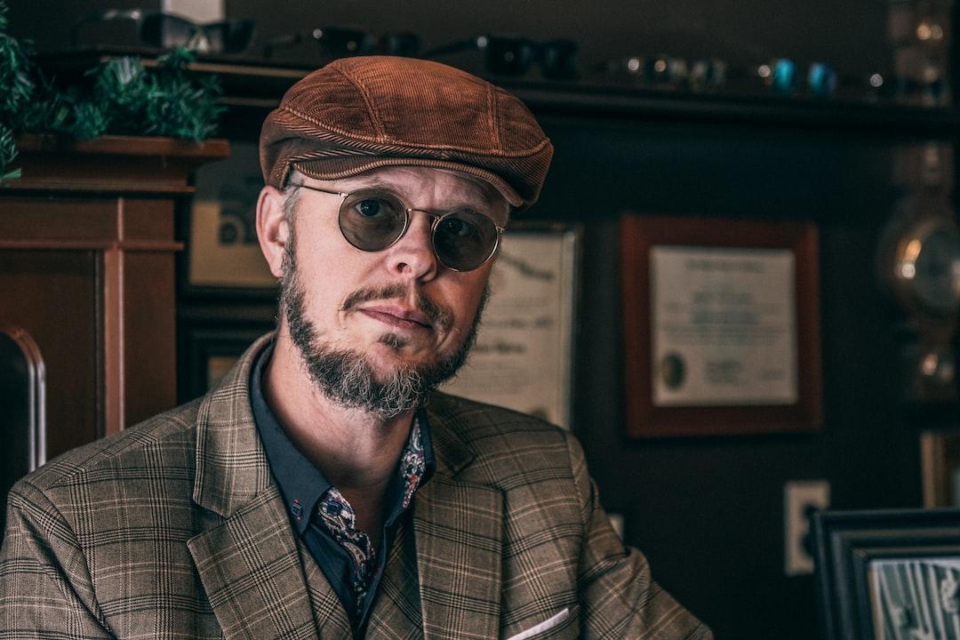 Owner of Gentlemen's Breakfast, Van de la Plante, creates and curates custom vintage eyewear and accessories.