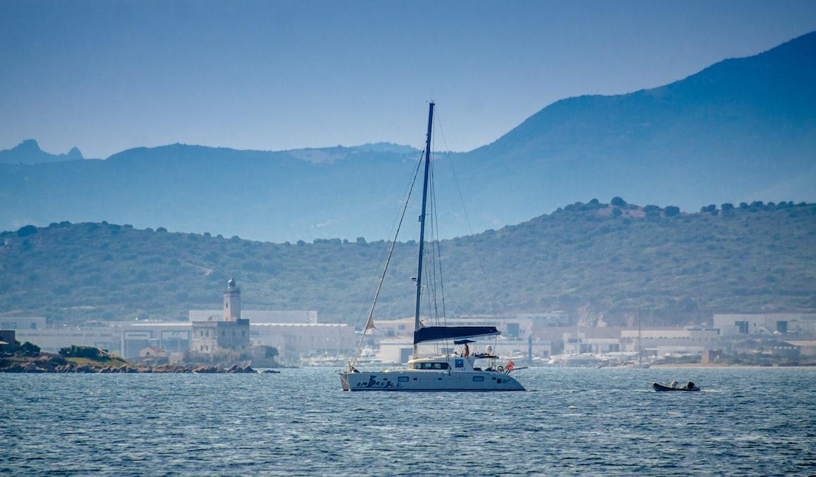 Impressie van een boot bij Olbia