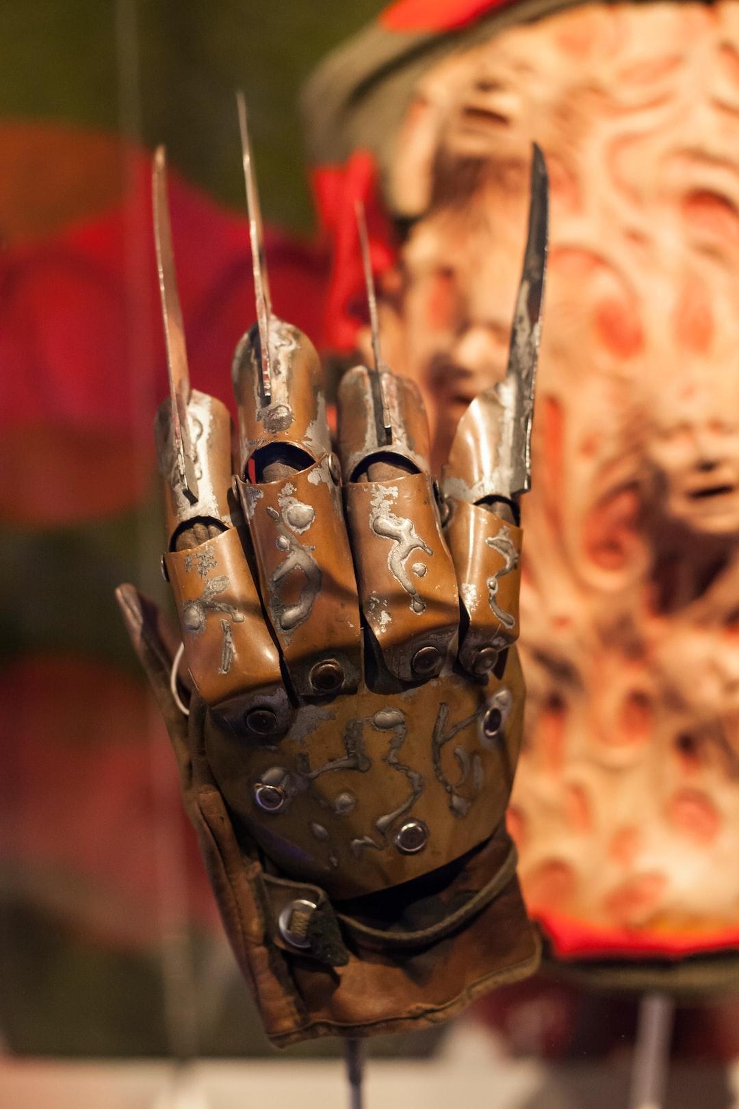 Freddy's nightmarish glove