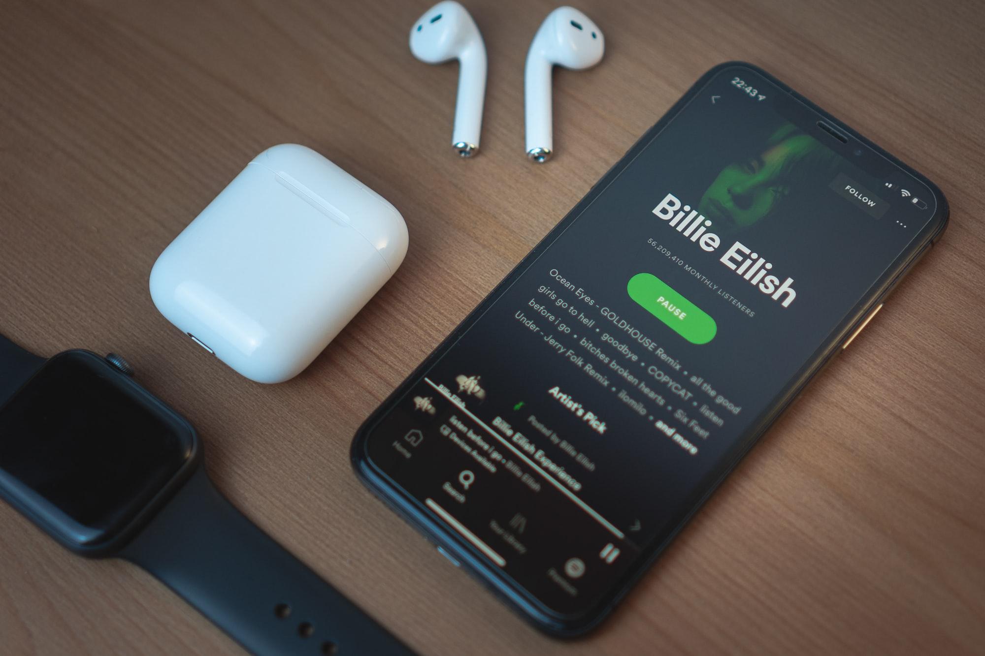 Spotify позволит загружать и воспроизводить музыку на Apple Watch без подключения к сети