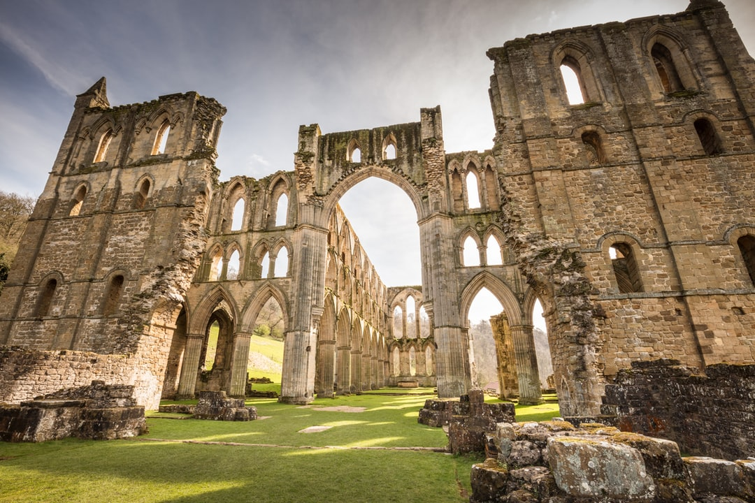 Here Is A Photograph Taken From Rievaulx Abbey. Located In Rievaulx, Yorkshire, England, Uk. ( Website : Www.michaeldbeckwith.com ) ( Email : Michael@michaeldbeckwith.com ) - unsplash