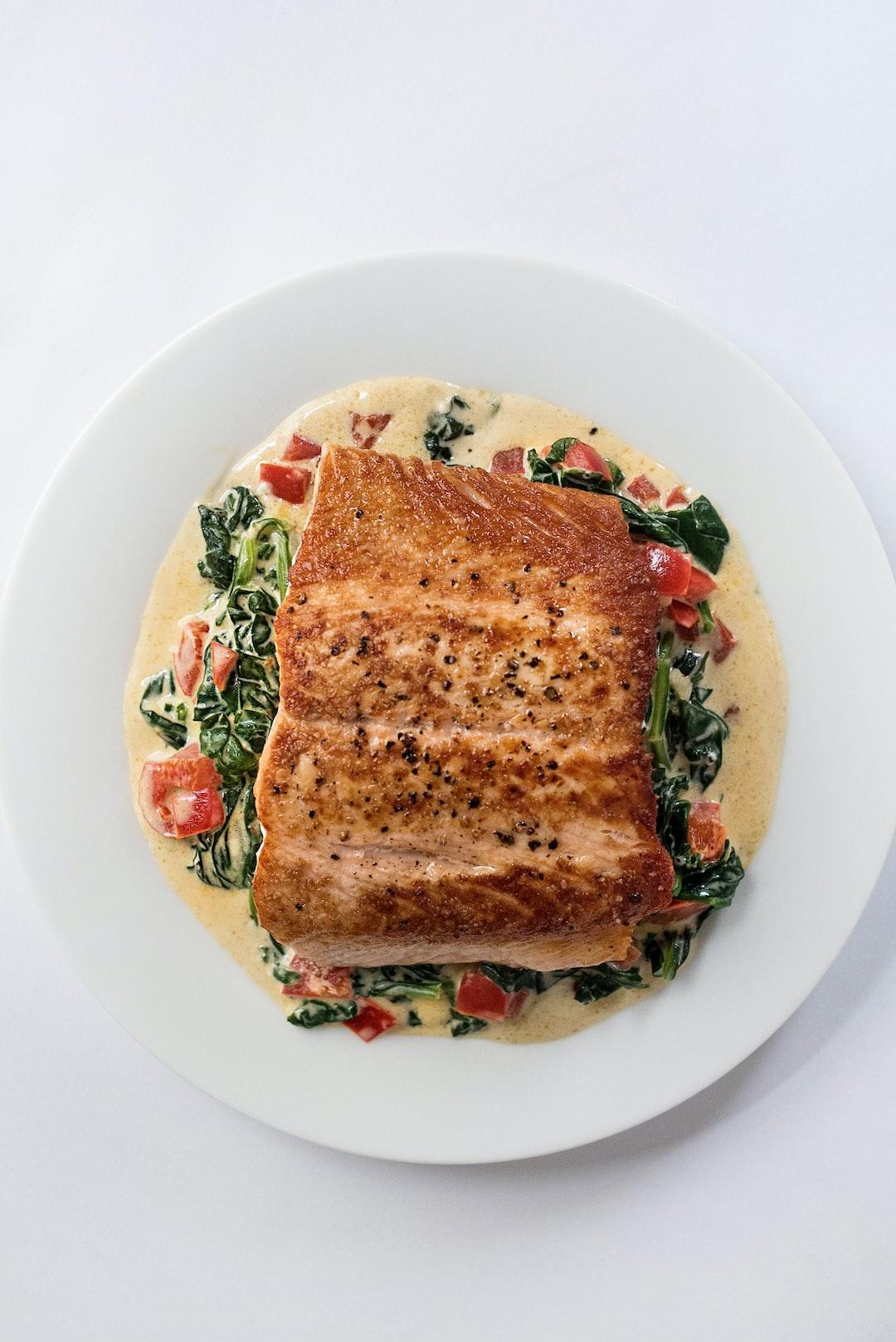 Lachs mit Ofengemüse und Tomaten