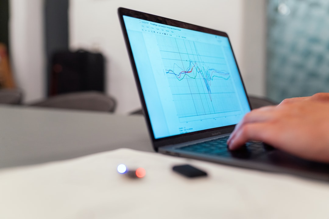 8 Factors to Consider When Buying Commercial Software