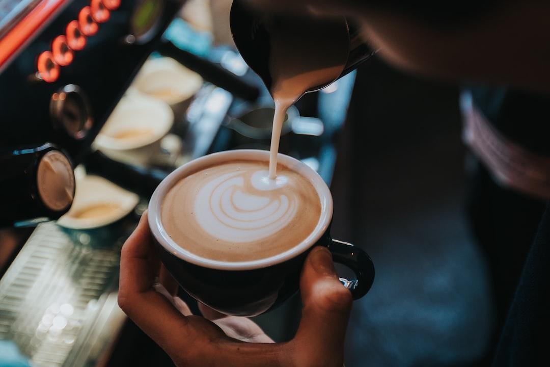 Making Latte Art - unsplash