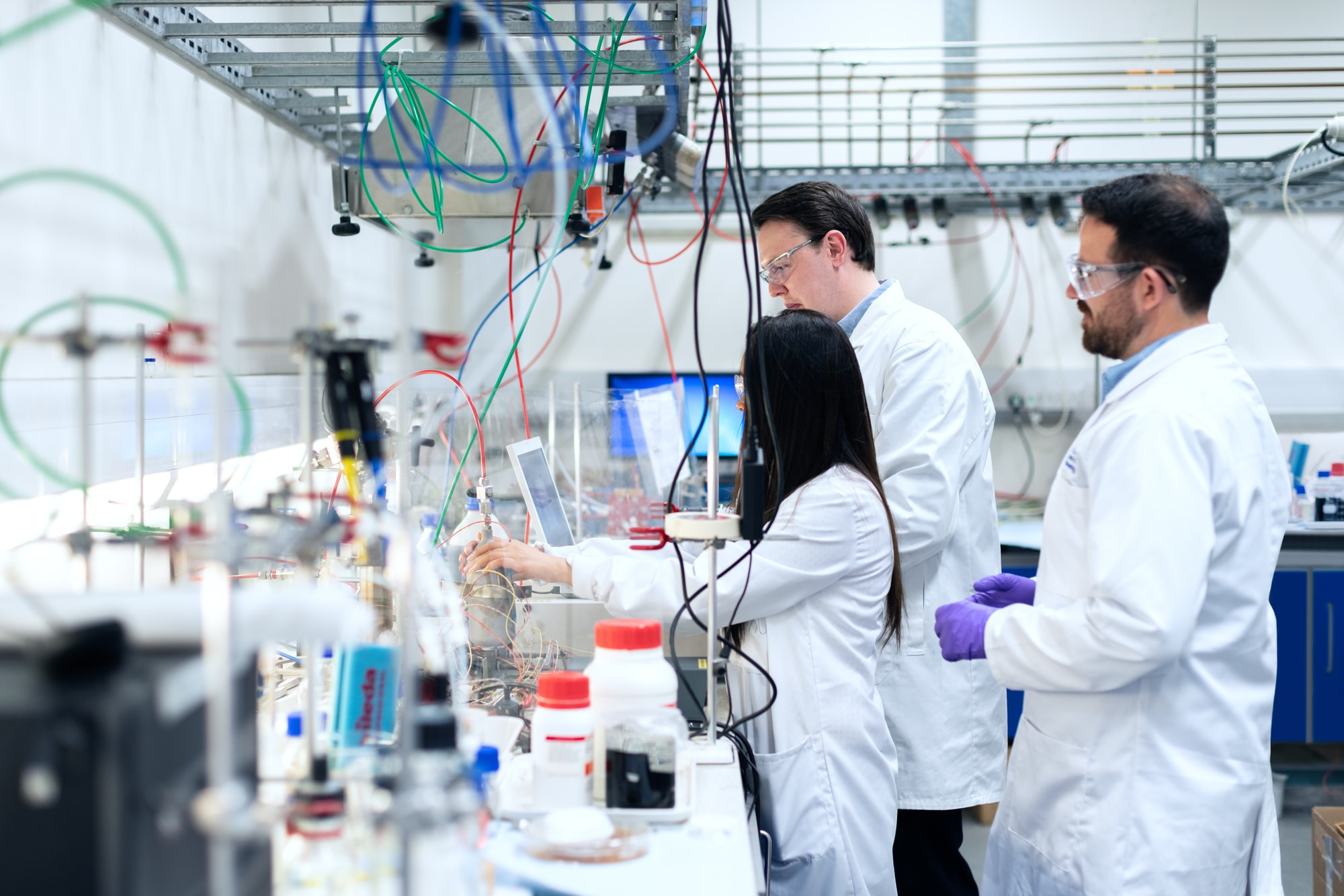 Chemical engineers develop clean energy storage solutions