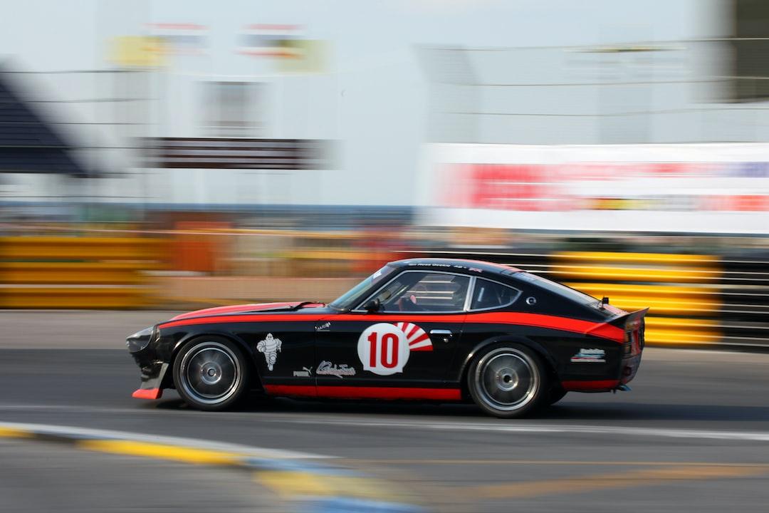Vintage Car Racing In 2013 - unsplash