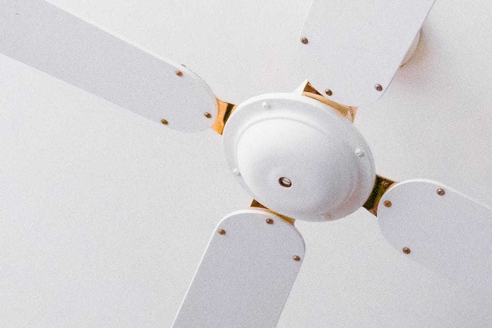 white 3 bladed ceiling fan
