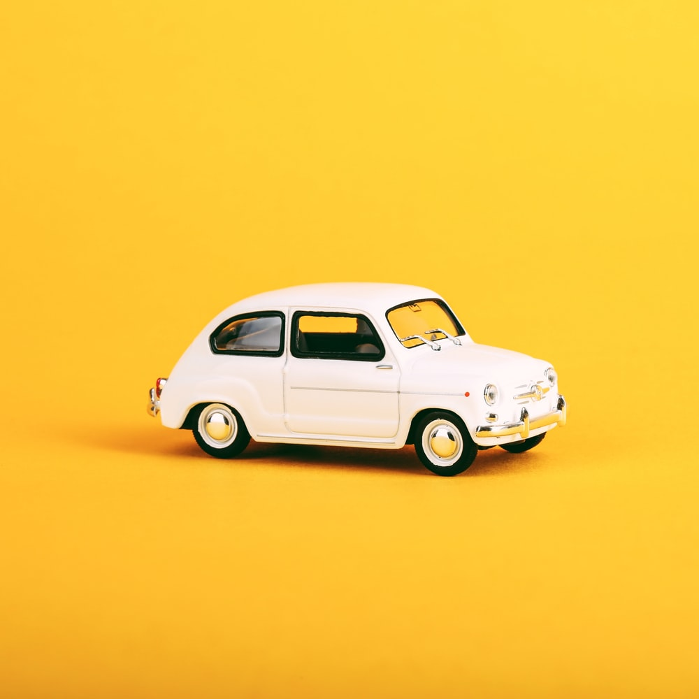 white volkswagen beetle coupe scale model