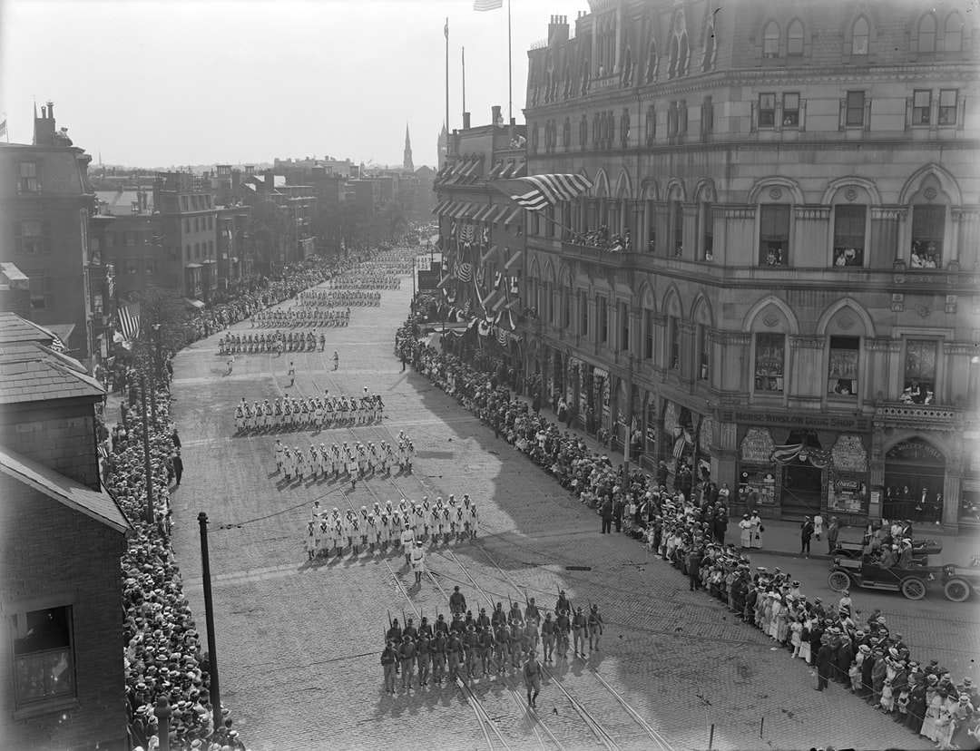 Army and Navy marching, first men to World War l, Tremont Street at the corner of Dover Street and Berkeley Street. 1917  https://ark.digitalcommonwealth.org/ark:/50959/8s45qv606  Please visit Digital Commonwealth to view more images: https://www.digitalcommonwealth.org.