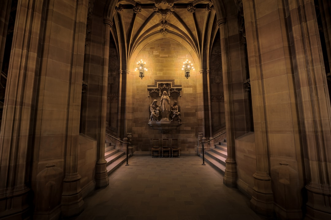 Here Is A Photograph Taken From Inside the John Rylands Library. Located In Manchester, Greater Manchester, England, Uk. ( Website : Www.michaeldbeckwith.com ) ( Email : Michael@michaeldbeckwith.com ) the John Rylands Library Is Part of the University of  - unsplash