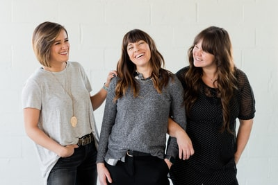 Strong women, female business owners share a laugh as they discuss trendy topics and enjoy life.   Kulør Hair Design and Color Studio is the best place for hair styling, located at 22 East Center Street in Logan, Utah.  https://www.instagram.com/kulorsalon/ https://www.kulorsalon.com/ 435-213-9075 https://www.aveda.com/salon/KulorSalon  https://www.instagram.com/AwCreativeUT/ https://www.AwCreativeUT.com/ #AwCreativeUT Adam Winger #awcreative #AdamWinger