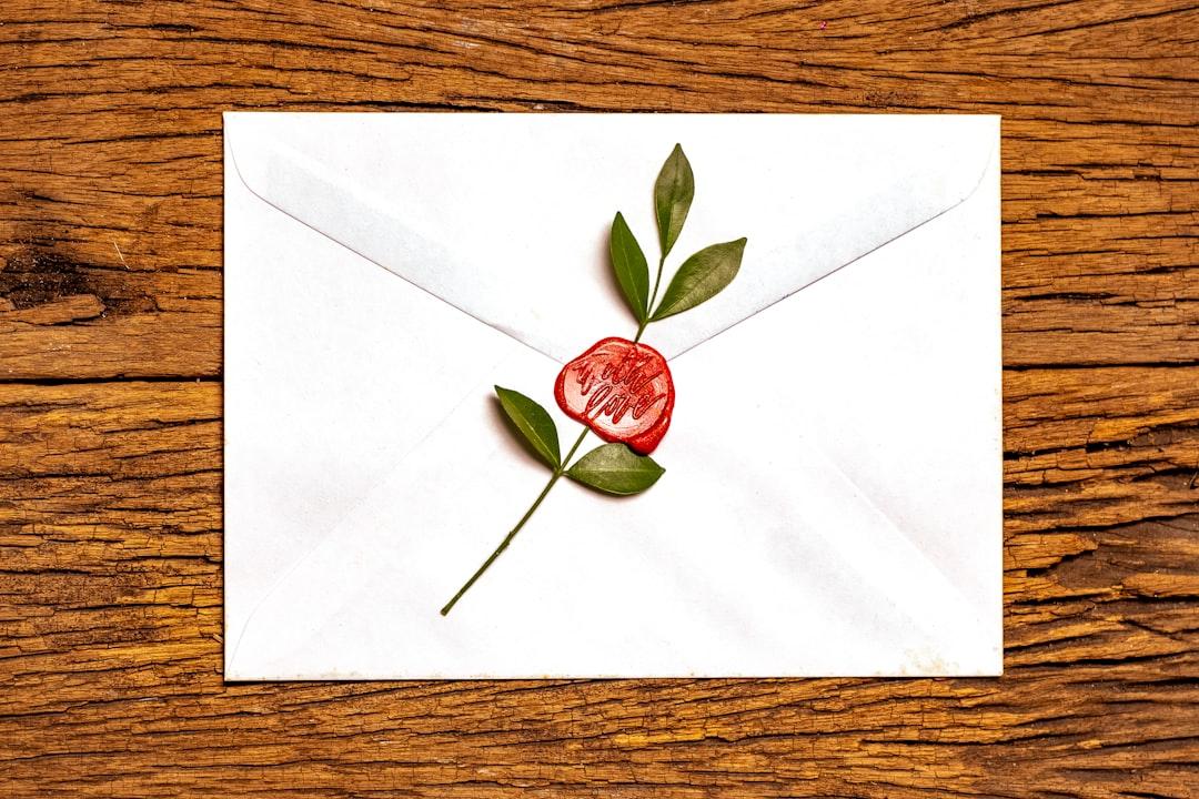 『突然のメールのポイントとは?|注意点や返信のポイントを解説します!』の画像